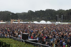 The crowd reached capacity during Hall & Oates set Sunday at Lands End Stage
